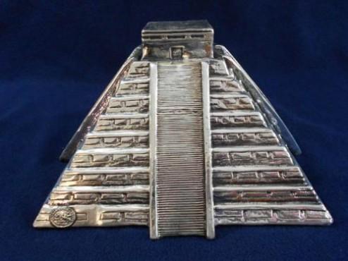 PIRÁMIDE GRANDE EN ArtesanÍA de plata