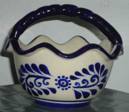 Canasta Ondulada Chica elaborada en cerámica de alta temperatura