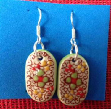 Aretes Flor elaborados en cerámica de alta temperatura