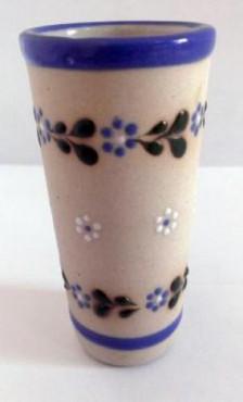 Vaso Tequilero Largo elaborado en cerámica de alta temperatura