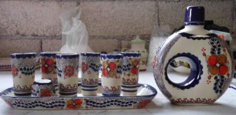 Juego Tequilero de Flores elaborado en cerámica de alta temperatura